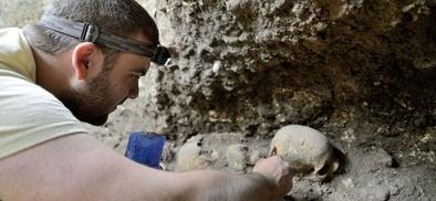 Cráneo hallado en la cueva del Mirador.