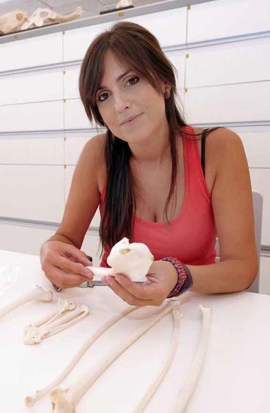 Ruth Blasco es miembro del Equipo de Investigación de Atapuerca y desarrolla su labor investigadora en el CENIEH.