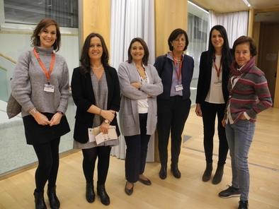 María Martinón-Torres (segunda por la izquierda), junto al resto de divulgadoras que participaron en la mesa redonda sobre el papel de la mujer en la ciencia