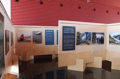 El CAYAC es el punto de recepción de los visitantes y de salida de los autocares que van a los yacimientos.