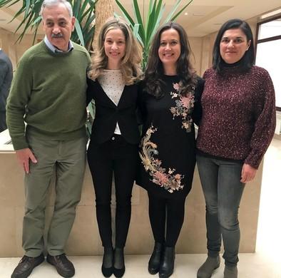 José María Bermúdez de Castro, Marina Martínez de Pinillos, María Martinón Torres y Rebeca González minutos antes de la lectura de la tesis