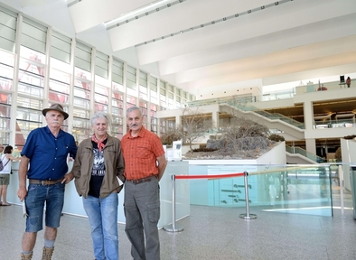 Carbonell, Arsuaga y Bermúdez de Castro, en el Museo de la Evolución Humana.