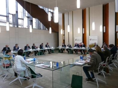Miembros del Patronato de la Fundación Atapuerca durante la reunión el pasado 30 de noviembre.