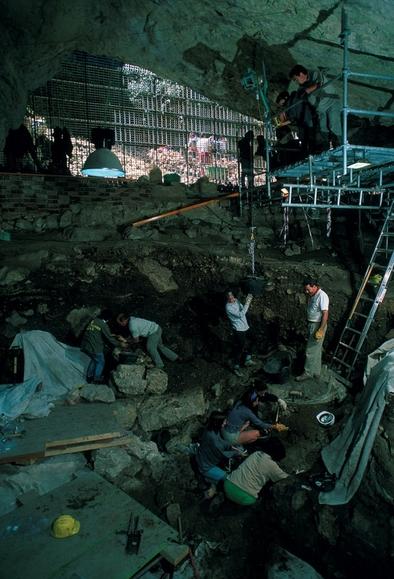 Yacimiento Holoceno de El Portalón, Cueva Mayor, sierra de Atapuerca.