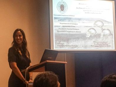 Eva María Poza durante la presentación de sus tesis doctoral