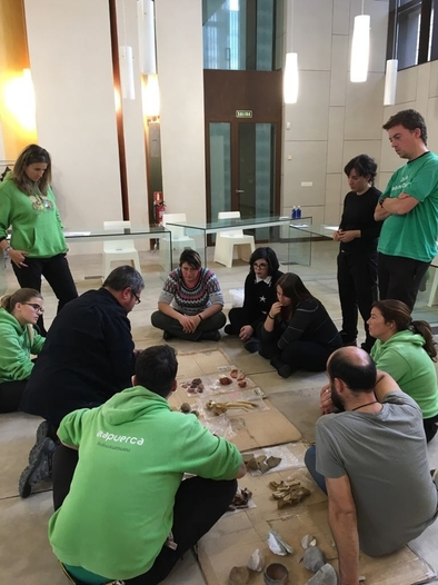 Felipe Cuartero ha actualizado el contenido de los talleres didácticos que se desarrollan en el CAREX (Atapuerca