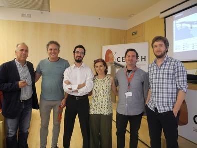 Isidoro Campaña (tercero por la izquierda) junto al tribunal el pasado 7 de septiembre en el CENIEH.