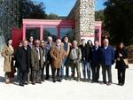 Carbonell recibe en Atapuerca a representantes de las academias hispanoamericanas de la lengua